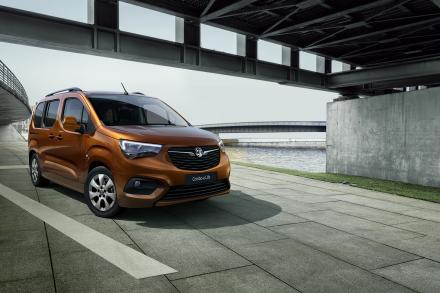 Vauxhall Combo-e Life Electric Estate 100kW SE XL 50kWh 5dr Auto [7 Seat]